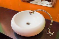 Härlig badrumvask Arkivbild