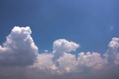 Härlig bakgrund för molnig himmel Royaltyfri Bild