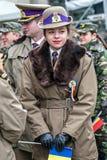 Härlig barntjänstemankvinna royaltyfri foto