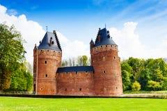 Härlig Beersel slott i Bryssel, Belgien Royaltyfri Fotografi