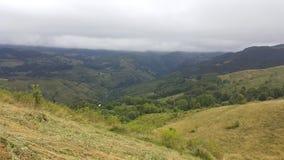 Härlig bergsikt i vår Royaltyfria Foton