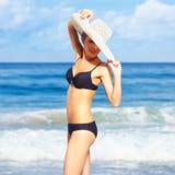härlig bikinikvinna Royaltyfri Foto