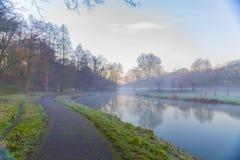 Härlig bild av en sjö i en härlig soluppgång royaltyfria bilder