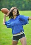 härlig biracial kvinnligfotbollsspelare Royaltyfri Bild