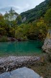 Härlig blå flod i Zagori Grekland Europa Arkivfoto