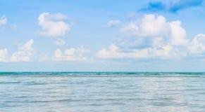 härlig blå havssky Royaltyfri Foto