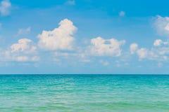 härlig blå havssky Royaltyfria Bilder