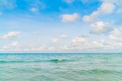 härlig blå havssky Royaltyfria Foton