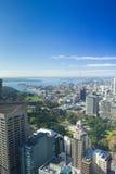Härlig blå himmel ovanför staden av Sydney Australia Royaltyfria Bilder