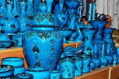 härlig blå krukmakeri arkivbilder