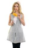 härlig blond blommamodell arkivfoto
