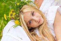 härlig blond flicka Fotografering för Bildbyråer