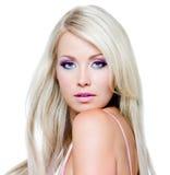 härlig blond framsidakvinna Fotografering för Bildbyråer
