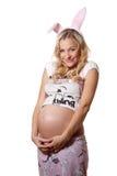 härlig blond gravid kvinna Arkivbild