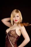 härlig blond guldmaskering Royaltyfria Foton