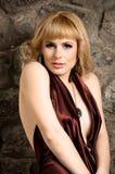 härlig blond klänningaftonflicka Royaltyfria Foton