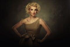 Härlig blond kvinna royaltyfri foto