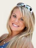 härlig blond kvinna fotografering för bildbyråer