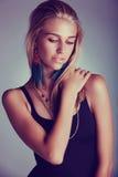 Härlig blond retro kvinna fotografering för bildbyråer