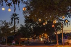 Härlig boll för julljus på Fullerton arkivfoto