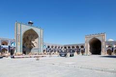 Härlig borggård av den Jameh moskén av Isfahan, Iran Royaltyfri Foto