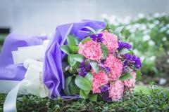 Härlig bröllopbukett som används som bakgrundsillustration Royaltyfria Bilder