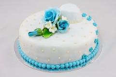 Härlig bröllopstårta Arkivfoto