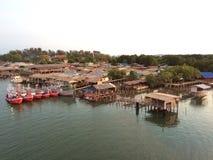 Härlig bro för sikt i Rayong, Thailand Royaltyfri Foto