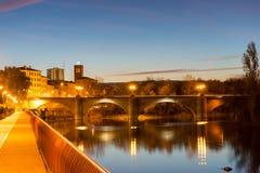 Härlig bro i natt Arkivfoto