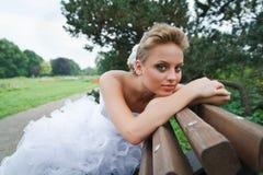 härlig brudklänningwhite Royaltyfri Fotografi