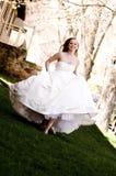 härlig brudrunning Royaltyfri Foto