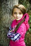 härlig brunettflicka Royaltyfri Foto