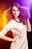 Härlig brunettflicka Perfekt makeup royaltyfria foton