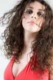 härlig brunettheadshot Arkivfoton