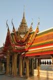 Härlig buddistisk byggande Wat Buakwan tempel i bangkok Thailand royaltyfri foto