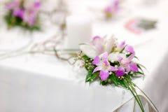 Härlig bukett av vita och rosa orkidér Royaltyfri Foto