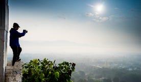 Härlig bygd i morgonen på den Mandalay kullen i Myanmar Arkivbilder