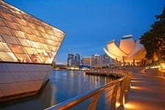 Härlig byggnad på marinafjärden, singapore royaltyfri bild