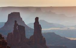 Härlig Canyonlands sikt, från Mesa Arch Arkivfoto