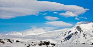 härlig capped bergsnow Royaltyfria Bilder