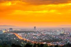 Härlig Cityscapesolnedgång på Songkhla Thailand Royaltyfri Foto