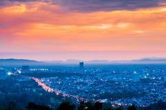 Härlig Cityscapesolnedgång på Songkhla Thailand Royaltyfri Bild