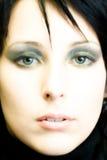 härlig closeupframsidakvinna royaltyfria foton