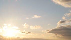 Härlig cloudscape med stora byggande moln lager videofilmer