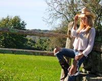 Härlig cowgirl Fotografering för Bildbyråer