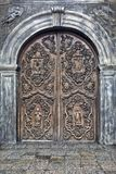 Härlig dörrkonst på San Agustin Church, Manila, Filippinerna fotografering för bildbyråer