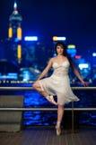 härlig dansare för balett utomhus Arkivbilder