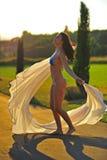 härlig danssun under kvinna Royaltyfri Fotografi