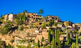 Härlig by Deia på den Majorca ön, Spanien Royaltyfri Foto