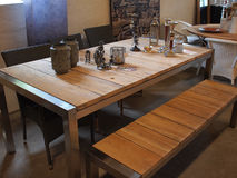 härlig design som äter middag inre lokal Royaltyfria Foton
